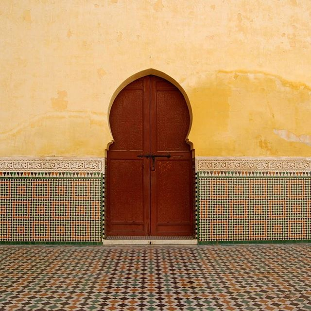 Simple Moroccan beauty ✨ • • • #carrieforbes #morocco #luxurytravel #bohochic #vacationmode #wanderlust #luxuryleisure