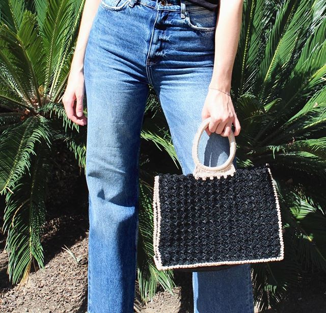 The must-have Marisa tote can be any outfits perfect accessory 🙌🏻 Shop link in bio! ✨ • • • #carrieforbes #bohostyle #resortwear #luxurylifestyle #moroccanbeauty #marrakeshstyle #handbagaddict #luxuryweaving #vacationready