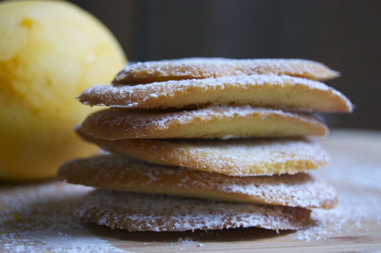 Stack of Lemon Thins