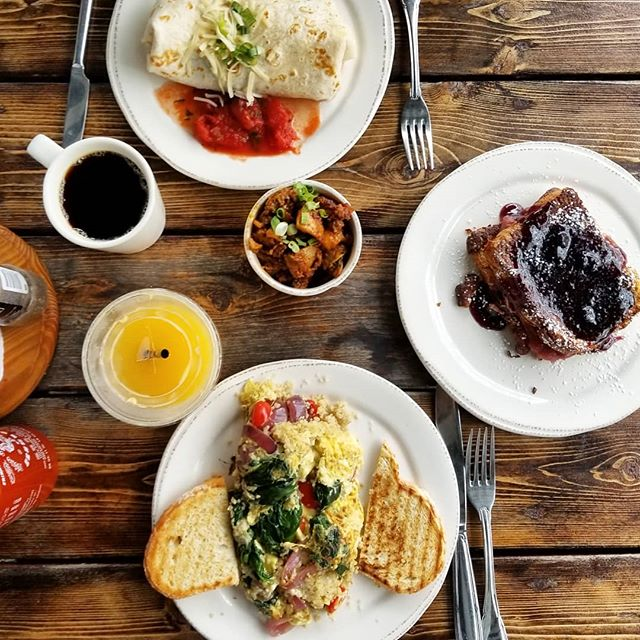 Breakfast in Newport @crucafe