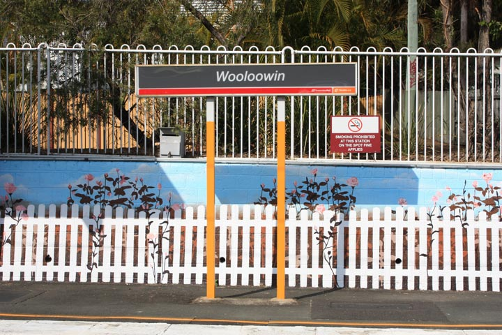 Wooloowin-Train-Station.jpg