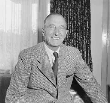 Frank Penny, President of the Ringwood branch of the Good Neighbour Council, 1958. (Photograph courtesy National Archives of Australia.)