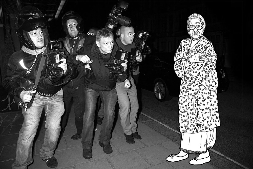 Liz Gets Papped  SHOP LINK