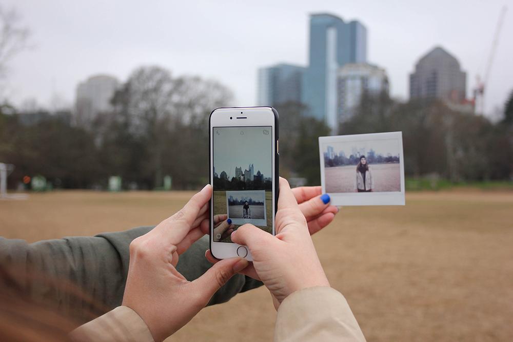 iphone-creative-polaroid-social-media-high-season-blog.jpg