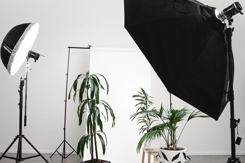content-marketing-tools-blog-studio-lights.jpg
