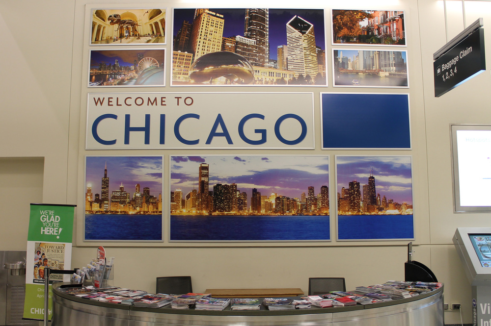 Next to the baggage claim was this welcome display. The counter was overflowing with pamphlets & brochures about all there is to do and see in Chicago (sorry, no strip club coupons).