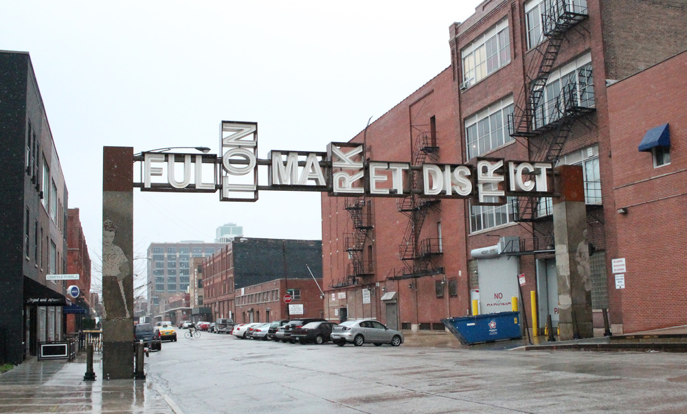 After I finished settling into the hotel room, I went out to get some eats in the Fulton Market District.
