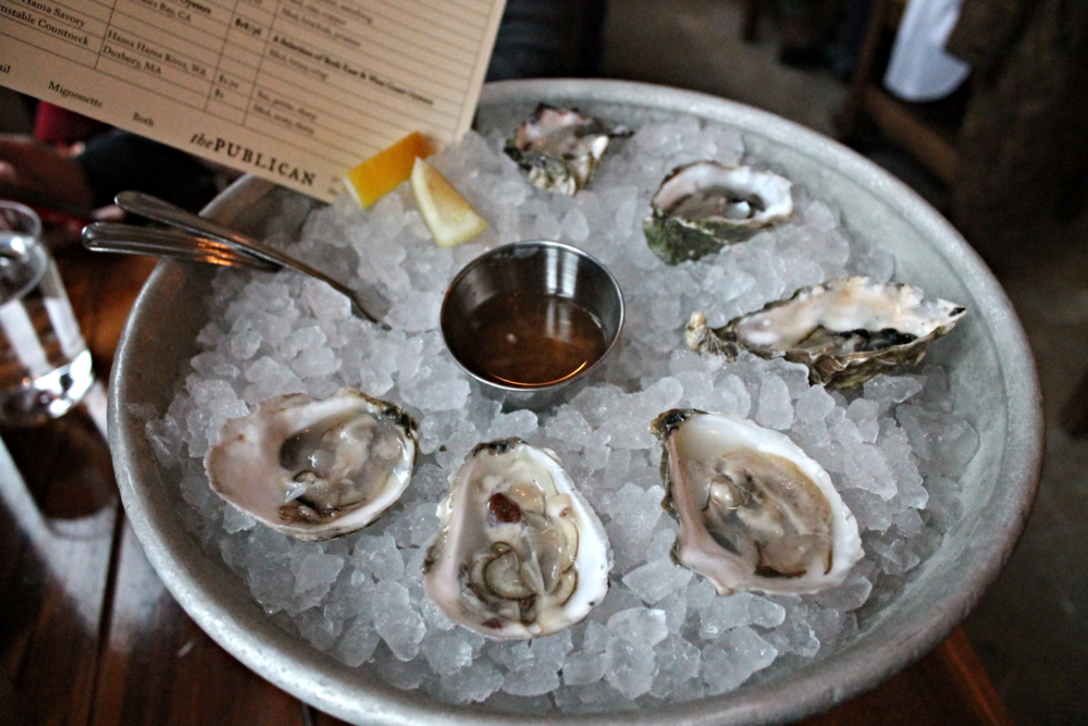 I had the chef's choice of oysters (thankfully the chef didn't choose 6 of the same kind, whew!).