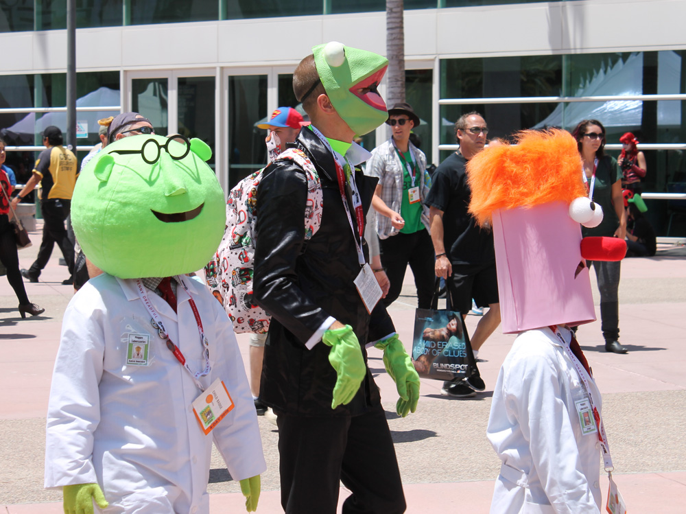 These low-budget Muppet cosplayers walked by the line which made me happy