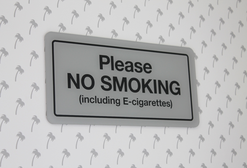 This sign is probably the most updated thing at an In-N-Out (take note, cool-ass vapers).