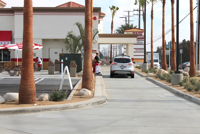 (Aussie accent): Here we see a lone vehicle in the In-N-Out drive-thru, a RARE SIGHT!! Ain't she a beauty...
