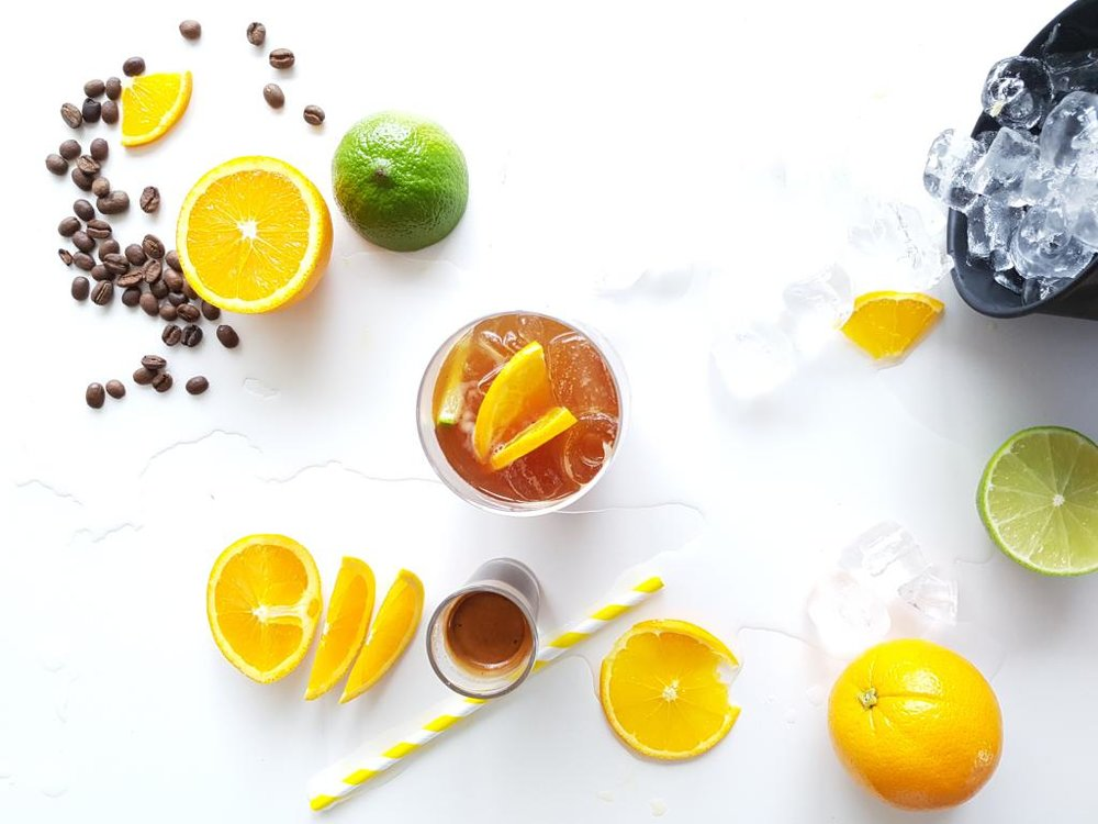 .......................................................................................................... /////////////////////////////////////////////////////////////////////////////// Refresh + revive with this spritzy spring drink.