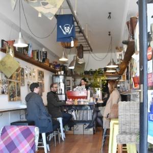 Velos Mazeh Musette - Cafe Interior