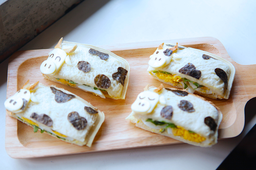 MOO MOO COW POCKET SANDWICHES