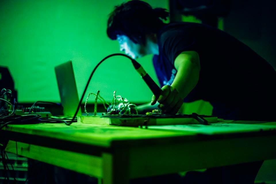 Reptilian Noise Channel, Magnet Studios 2016  Tina Douglas (Laptop, conductive paintings, conductive elements, electronics, microphone). Photo: Photoyunist