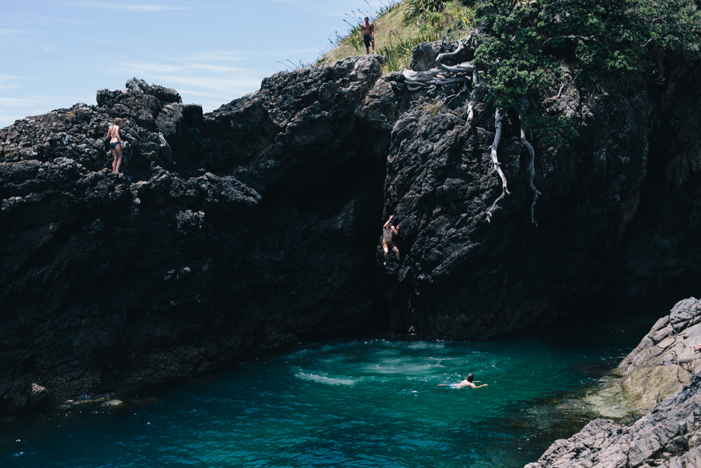 Fox-and-Favour-Rock-Dive-Matai-Bay