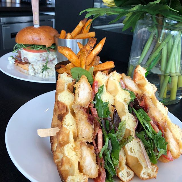Sunshine is out and our patio is open! Come by to enjoy the sun with a chicken and waffle sandwich. 😋 * * * * * #eatatluxe #luxevanwa #luxerestaurant #vanwa #vanusa #discovervanusa #pnw #spring #sunshine #weekend #chickenandwaffles #sandwich #yum #food #foodphotography #insta #instagood