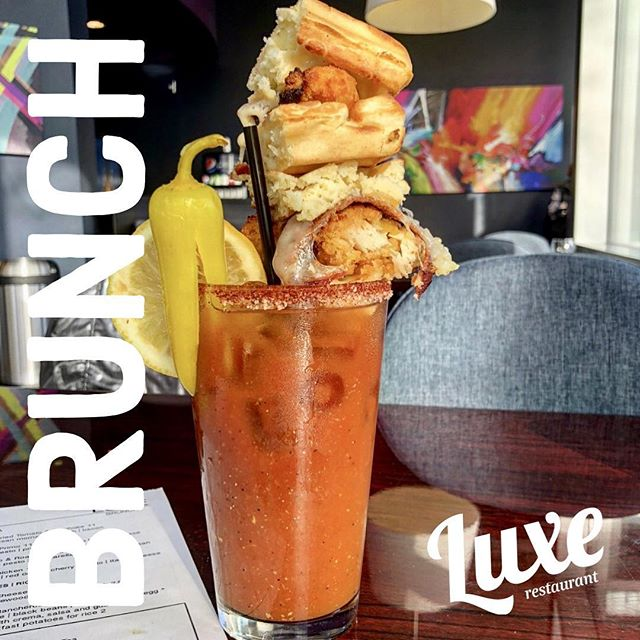 Join us for brunch this Labor Day from 11AM - 2PM. Enjoy the sun while sipping beverages on our outdoor patio! #luxerestaurant #eatatluxe #luxevanwa #discovervanusa #vanwa #holiday #brunch
