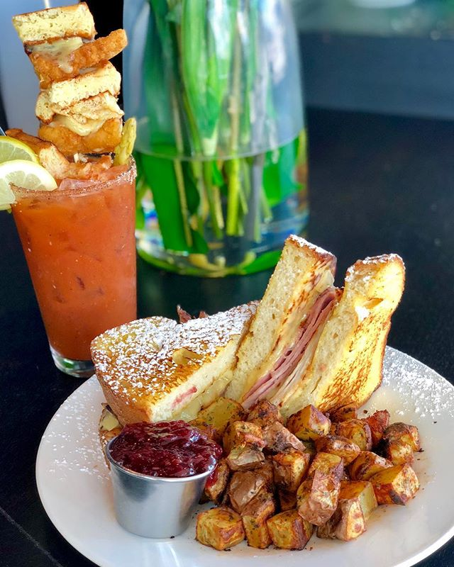 Get your brunch pants ready, because it's almost the weekend! Stop in for brunch and try our tasty deLUXE Bloody Mary and Monte Cristo Sandwich. #luxerestaurant #eatatluxe #luxevanwa #discovervanusa #vanwa #brunch #bloodymary #weekendvibes #yum