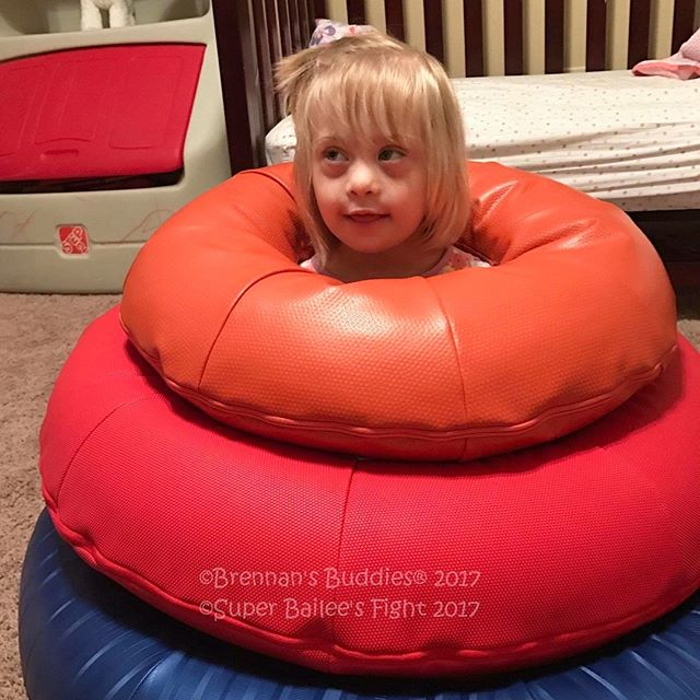 Big thanks to one of our supporters and to the incredible folks at @brennansbuddies for passing along O-Rings to this super cutie, Super Bailee! We hope you love them!  Bailee is 4, has Down syndrome and has been fighting Leukemia since 2015. Keep fighting and stay strong, Bailee! 💪  Photos reposted via @brennansbuddies and #SuperBaileesFight . . . . . #playmatters #instakids #sensory #ot #toys #openendedplay #inclusion #sensoryplay #play #toydesign #industrialdesign #instakids #instababy #wonderbaby #ringstack #smallbatch #madeinusa
