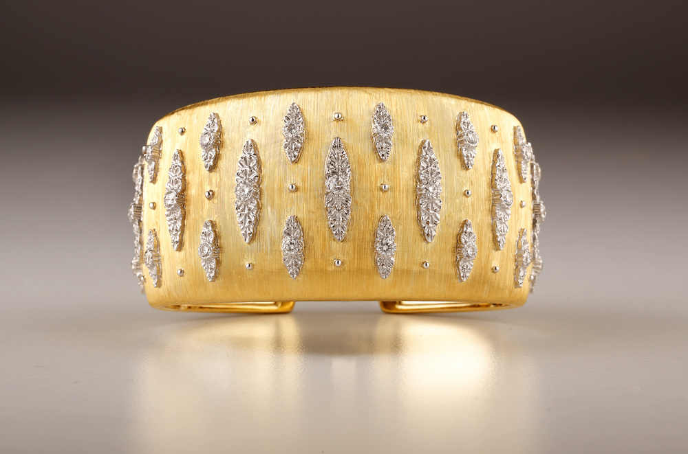 GOLD BRACELET OVALS B.jpg