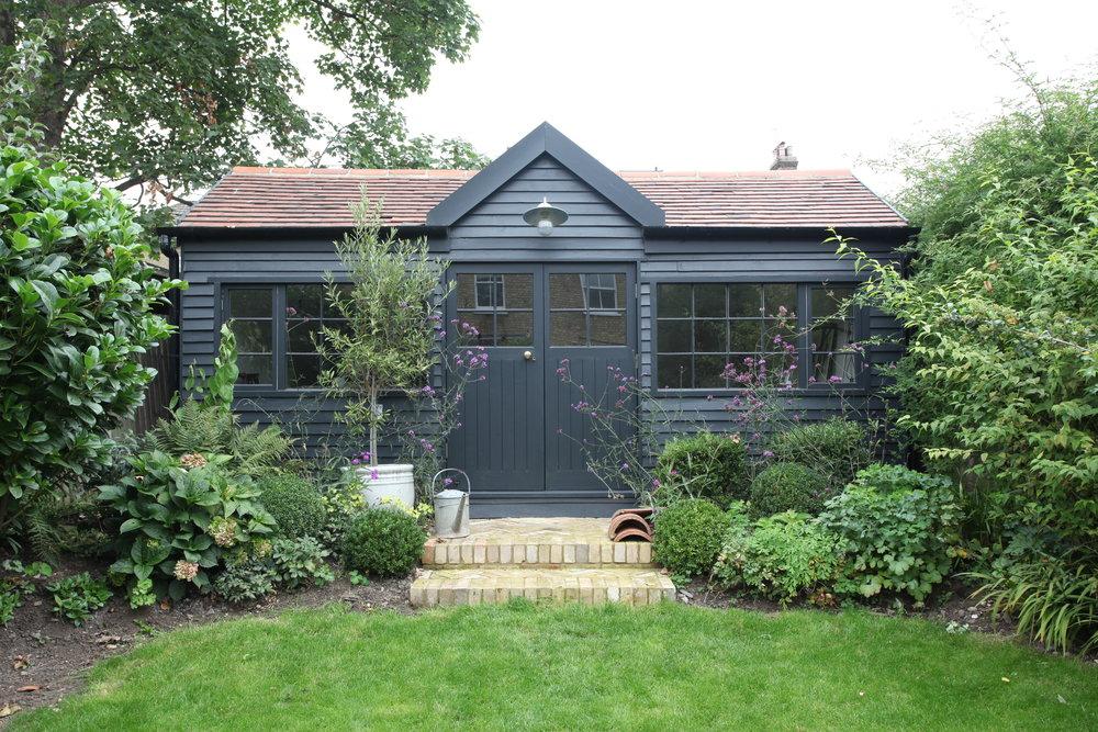 London summerhouse.JPG