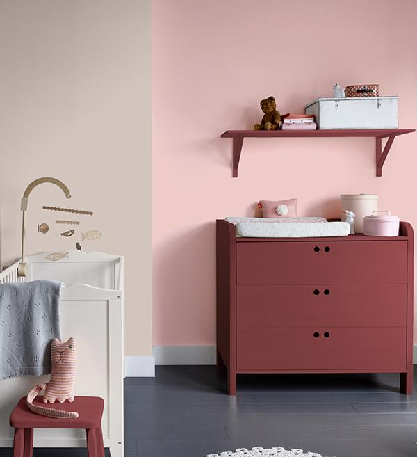 """Den fine rustrøde farve er jeg VILD med, men den er jo måske lidt over i min bordeaux, og den rosa er ret FRISK, det er faktisk trendfarven """"fresh pink"""" som er anvendt her... Super fin..."""