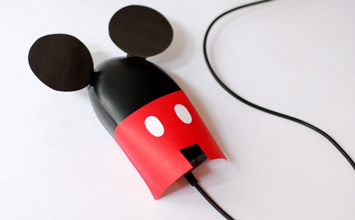 "thedailywhat :      ICWYDT of the Day:  "" M. Mouse "" by Vó Maria.   [ flickr .]     No argument there."