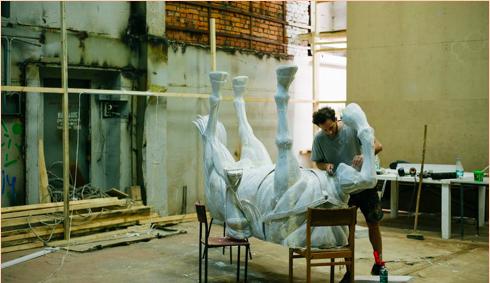 Franco Fasoli  Mi proyecto en el Laboratorio de Arte Urbano se centra en realizar una escultura de gran formato para el futuro Museo de Arte Urbano de Berlín Alemania , pronto a inaugurar en Septiembre de este año, la misma estará acompañada por obra de más de 100 artistas internacionales referentes del medio . A su vez trabajo en varios collages y pinturas de estudio en los que a través de una búsqueda formal indago sobre los materiales y su relación entre sí. Estos trabajos serán el puntapié de una serie de obras a realizar para una exposición individual en la ciudad de París durante 2018