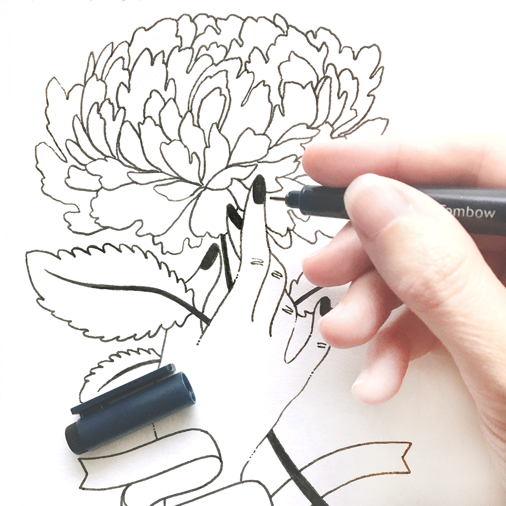 Erin McManness of Paper Raven Co. drawing floral illustration with Tombow MONO Drawing Pen