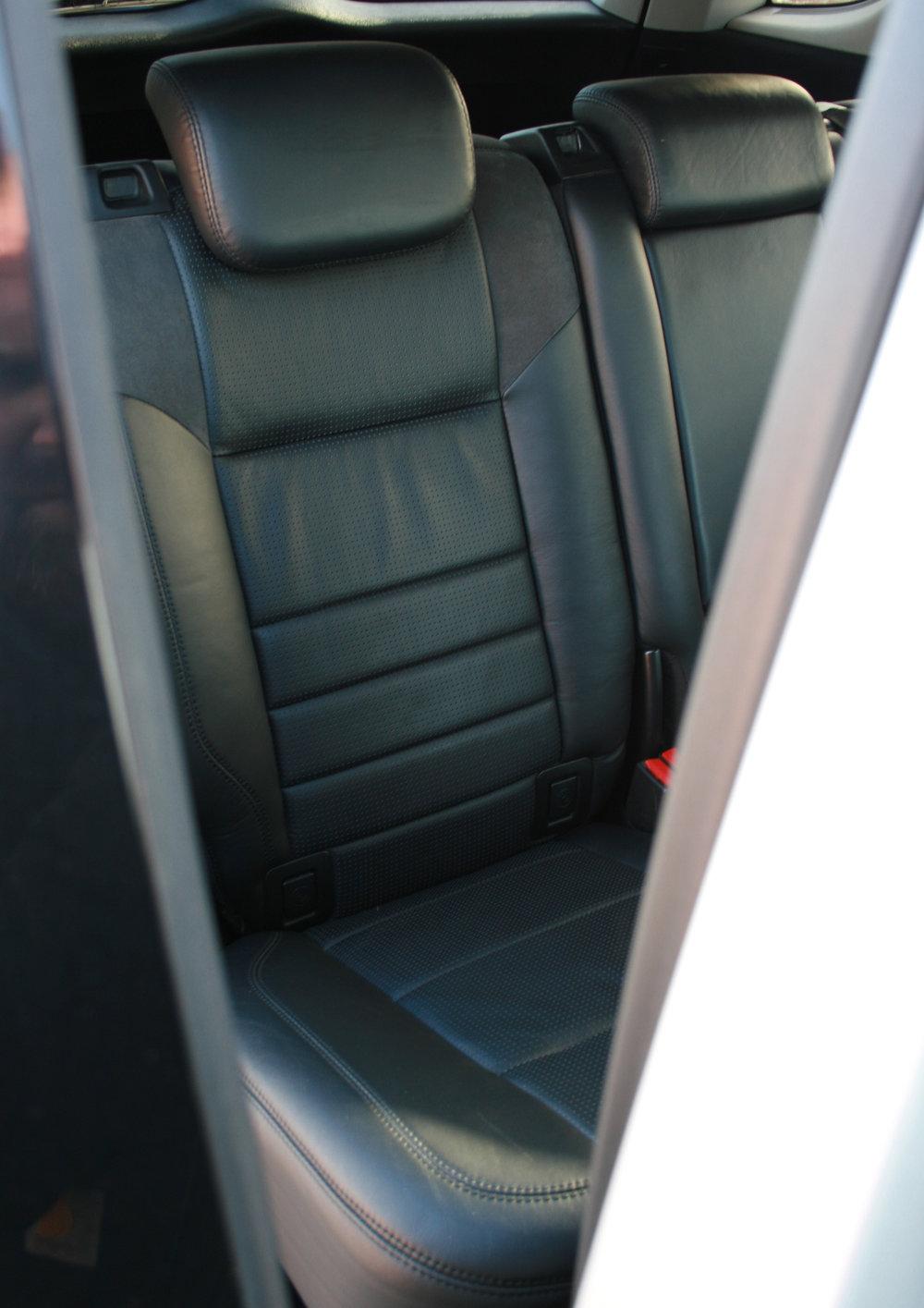 REAR SEATS.jpg