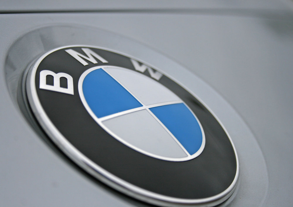 detail bmwbadge.jpg