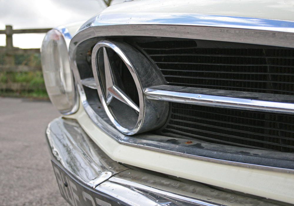 DETAIL FRONT GRILLE.jpg