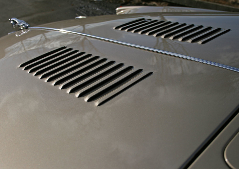 DETAIL LOUVRES.jpg
