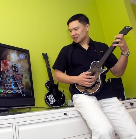 taiwan-startup-stadium-mentor-charles-huang-guitar-hero.jpg