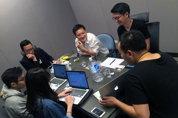 旁聽業界導師與新創團隊一對一的諮詢會議