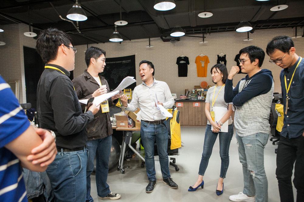 2017 國際投資條件書訓練營台灣台北場,台灣新創公司組隊透過角色扮演訓練談判能力.jpg
