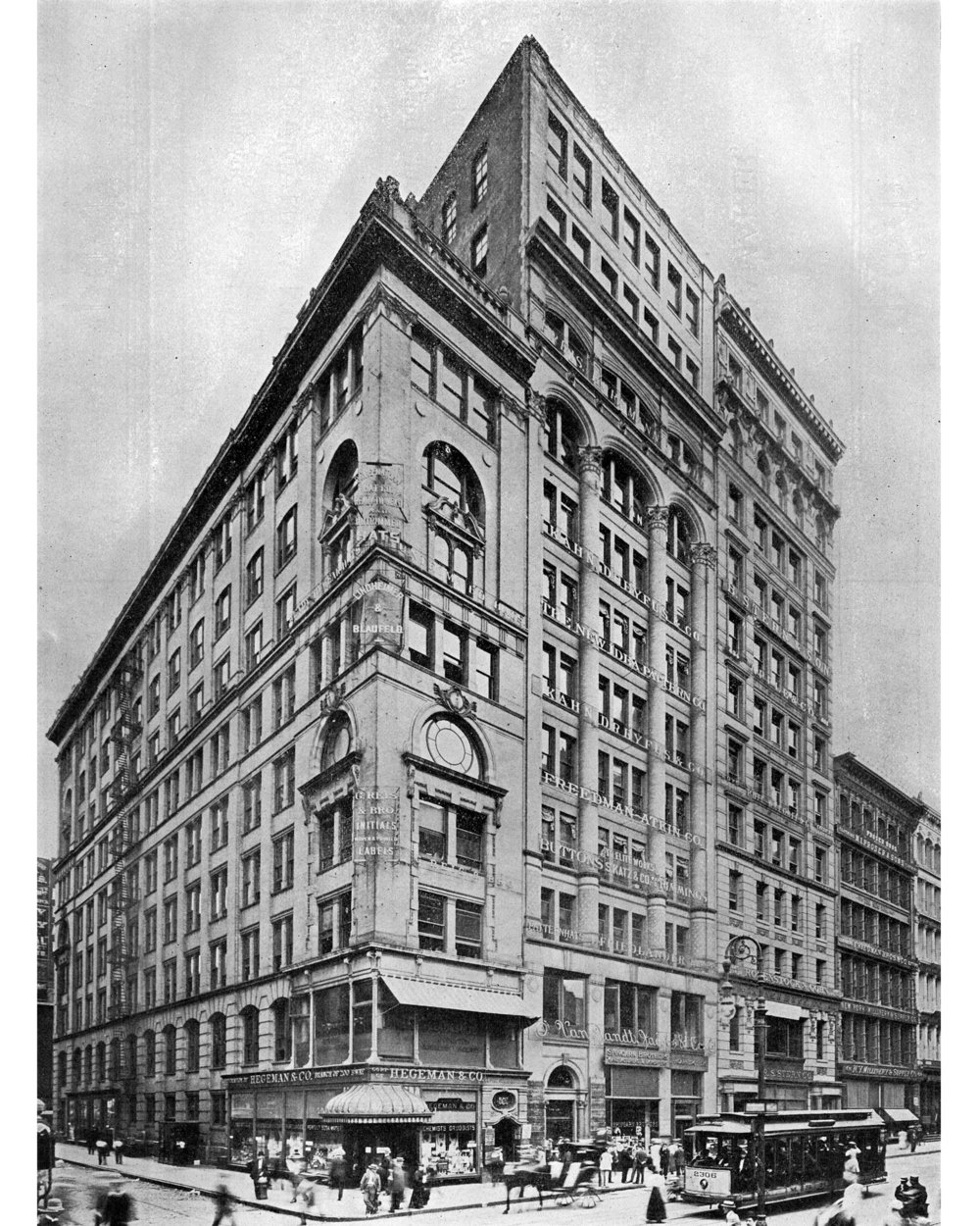 02_Both Sides of Bway 640 Bway-1910 ca.jpg