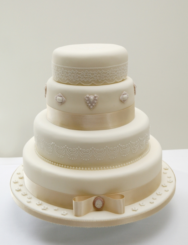 Vintage Style Wedding Cake Cake Made With Love