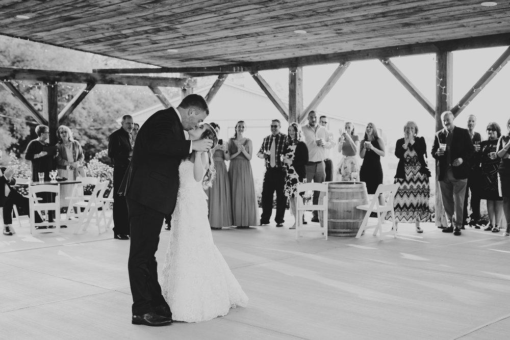 Quincy Cellars Wedding 1098.jpg
