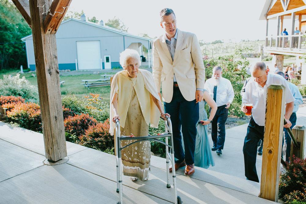 Quincy Cellars Wedding 1131.jpg