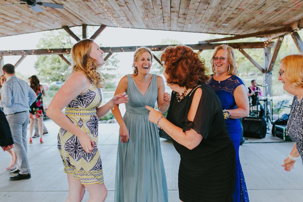 Quincy Cellars Wedding 1170.jpg