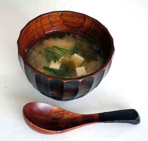 http://steamykitchen.com/106-simple-10-minute-miso-soup