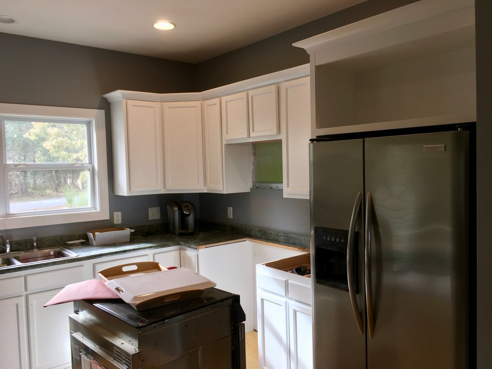 KITCHEN REMODEL / WALLS: BENJAMIN MOORE REGAL MATTE, CABINETS: BM ADVANCE SATIN