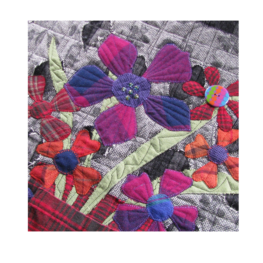Flowers in Pockets Quilt.jpg