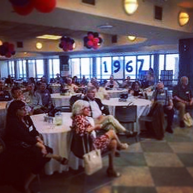 @stuyvesanthighschool Class of 1967 50th reunion watches @the100yearsshow and learns more about their English lit teacher Jesse Loewenthal, beloved husband and champion of #carmenherrera🔳🔲