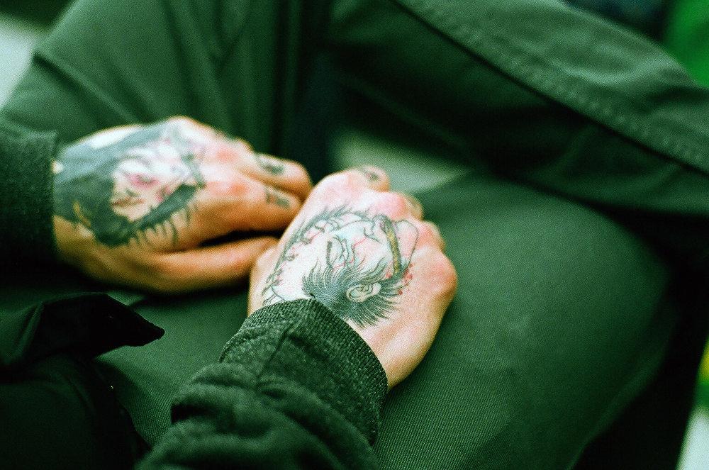 hands 00110005.jpg
