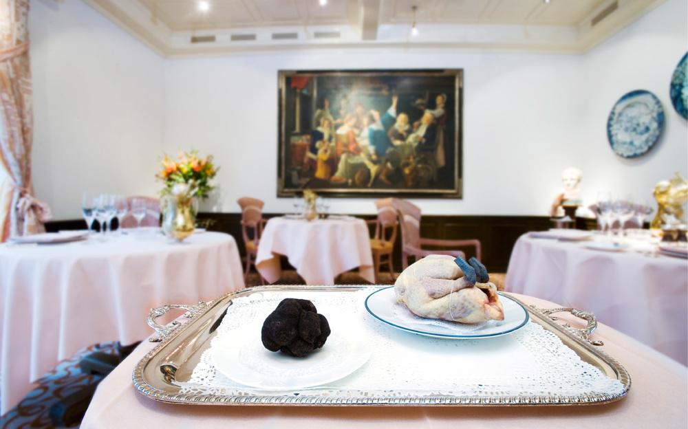 Poulet mit Trüffel im Restaurant Bruderholz-Stucki in Basel