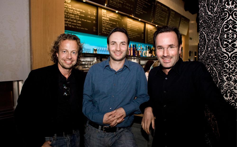 Die Brüder Frei zusammen mit Rolf Hiltl, Mitgründer des Restaurants Tibits in Zürich
