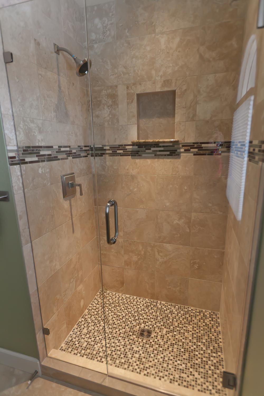 bathrooms 09.jpg